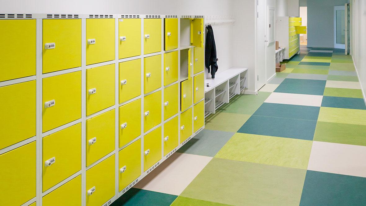 Dalby School corridor_Marmoleum Marbled