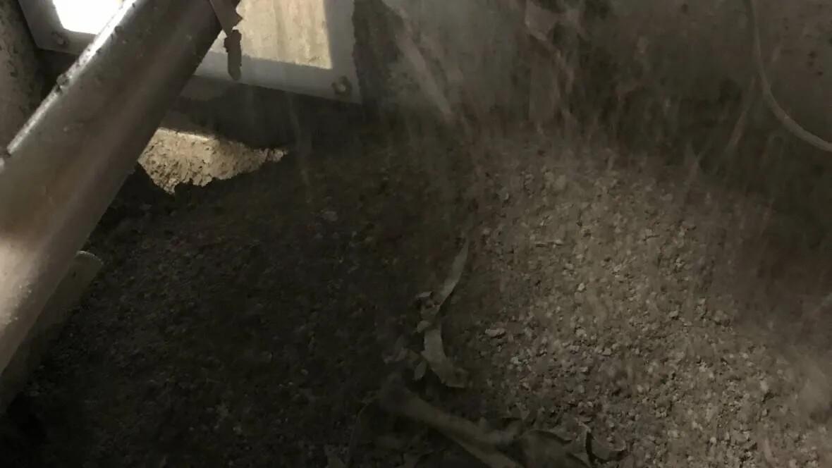 Assendelft factory | calender trim after shredder back into topcoat