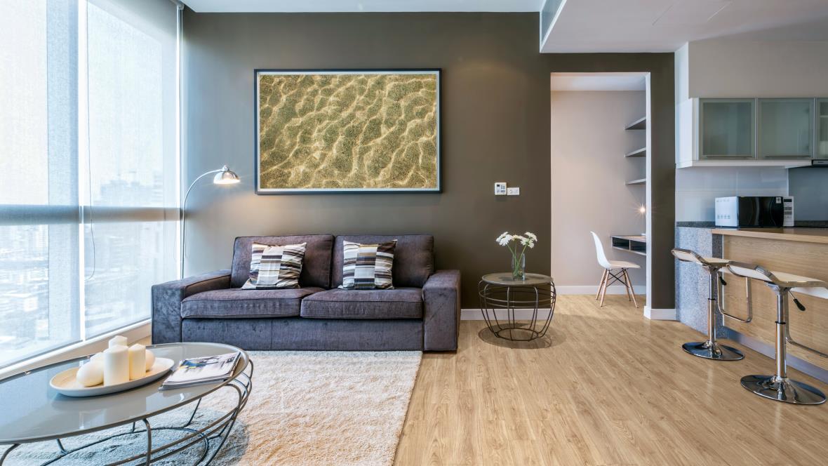Allura Decibel honey authentic oak in open plan living dining area