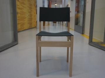 smukłe krzesło